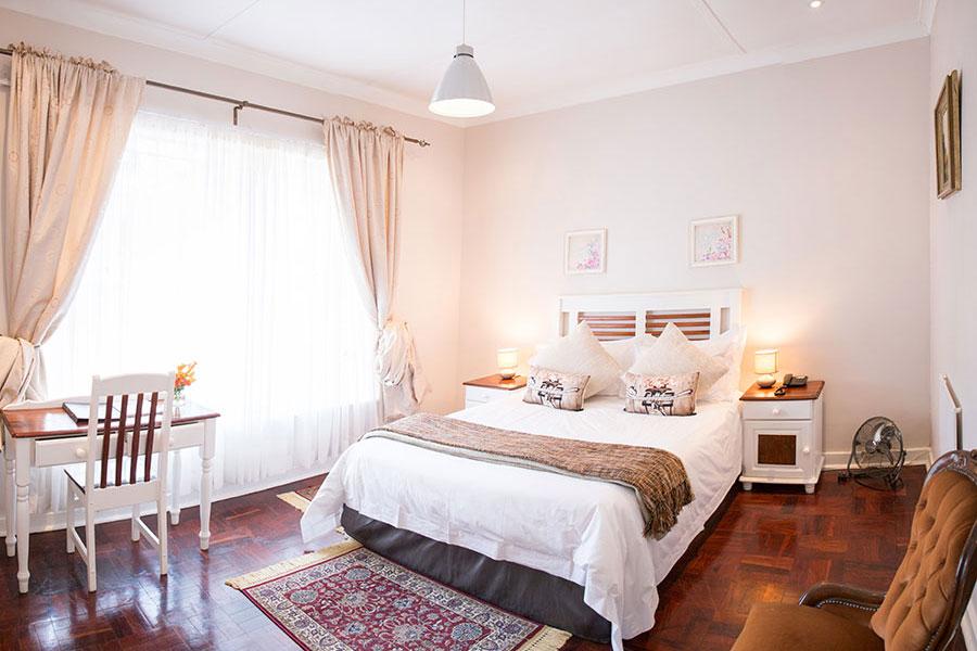 Acorn Lane Bordeaux Villa